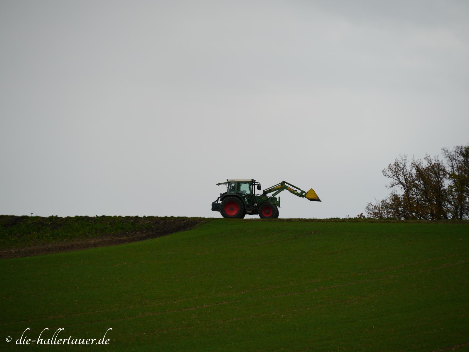 Hallertauer Bauern vor dem Wintereinbruch